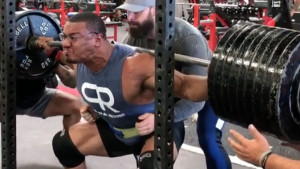 Ovako izgleda čučanj sa 408 kilograma