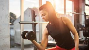 Trening ujutro ili trening navečer: Prednosti i mane