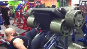 Pet vježbi koje bi trebali prestati raditi s prevelikim kilažama