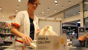 UČINIMO SVJESNO: dm prestaje s podjelom malih besplatnih plastičnih vrećica