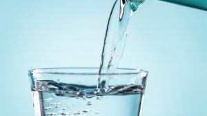 Kako piti više vode? 7 jednostavnih trikova