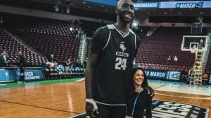 Uobičajni život najvišeg NBA košarkaša nije baš tako jednostavan kako se čini