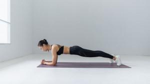 Petominutni plank izazov za snažno jačanje trbušnih mišića