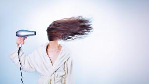 Opasne posljedice spavanja s mokrom kosom