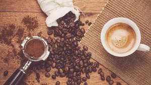 Koliko je opasno piti kafu staru nekoliko sati