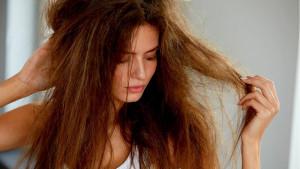 Muči vas jako suha kosa? Uz pomoć ovih trikova ona će ponovo da zablista