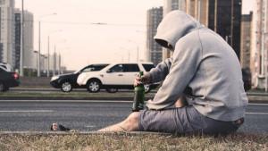 Zbog čega starije osobe teže podnose alkohol od mlađih?