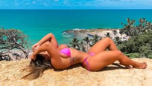 Brazilka s fenomenalnom figurom pokazuje kako joj je teretana potpuno promijenila život