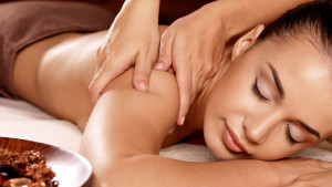 Imate problema sa bolom u leđima? Probajte masažu sa uljem od đumbira