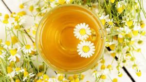 Opušta, smanjuje bolove i čuva kosti: Nevjerovatne koristi čaja od kamilice