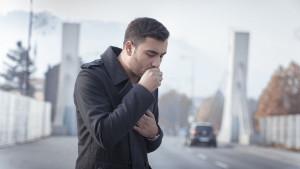 Oporavili ste se od prehlade, ali i dalje kašljete? Ovo su najčešći uzroci
