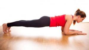 Plank poza samo u 5 minuta dnevno pravi čuda