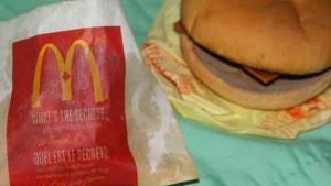 Priroda ga ne želi: Ovo je 6 godina star hamburger