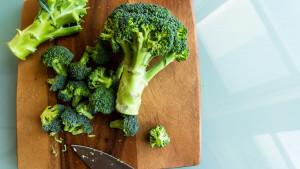 Možete li jesti sirove brokule?
