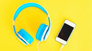 Ne možete nigdje bez slušalica? Evo kako slušanje muzike utječe na vaš mozak