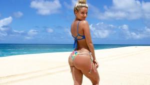 Ljubav i samopouzdanje: Nevjerovatna Karina će vas natjerati da zavolite svoje tijelo u bikiniju