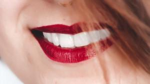 Redovno perete zube, ali i dalje su žuti?