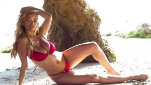 Atraktivna plavuša zna tajnu za postizanje zategnutog i oblikovanog tijela