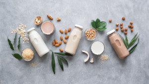 Koje mlijeko je zdravije? Bademovo, zobeno, sojino ili kravlje?