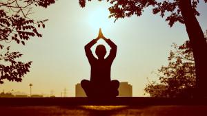 Joga i zeleni čaj: Zašto uživati u ovom toplom napitku nakon joga sesije?