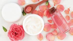 Do it yourself: Kako napraviti ružinu vodicu kod kuće?