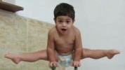 Ovaj mali dječak je vjerovatno jači od vas!