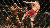 Da li bokser zaista ima šanse protiv MMA borca?