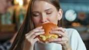 Brza hrana na mozak djeluje poput droge