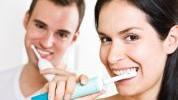 Tri namirnice koje mogu zamjeniti četkicu za zube