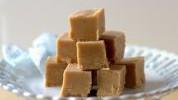 Brz i efektan slatkiš: Kockice sa kikiriki puterom