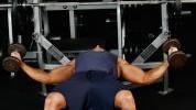 Letenje bučicama: Završna vježba treninga prsa