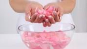Ružina vodica: prirodni tonik za čišćenje lica