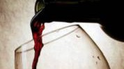 Čaša vina dnevno je zdrava? Ipak ne