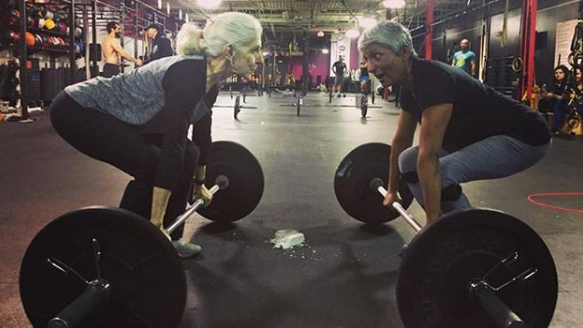 Starica koja fascinira: Sa 72 godine joj ni mrtvo dizanje nije problem