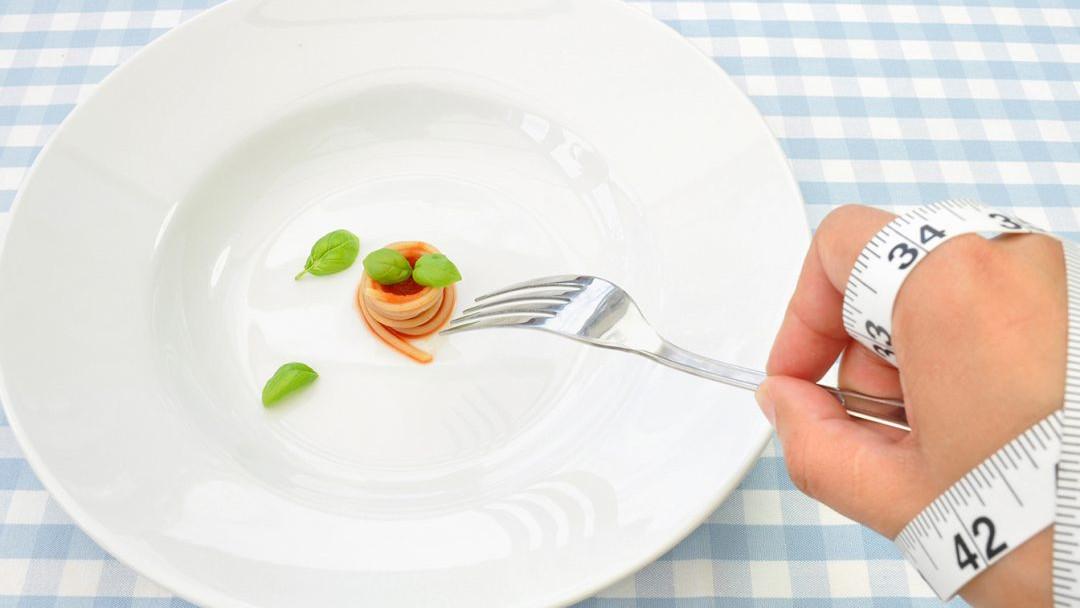 Premalo hrane može ozbiljno otežati put do mršanja