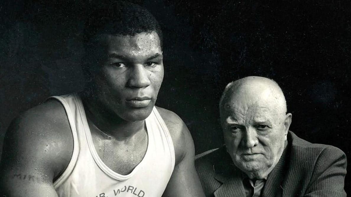 Uz pomoć koga je Mike Tyson postao jedan od najvećih boksera svih vremena?