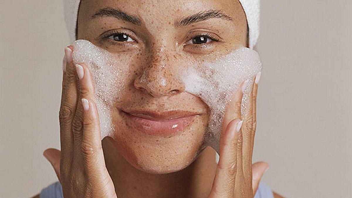 Greške koje pravite dok perete lice