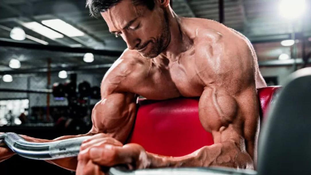 Četiri metode izgradnje mišića kroz treninge s tegovima