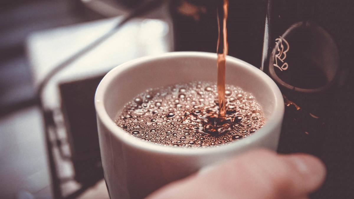Šta se događa kada pijete kafu na prazan stomak?