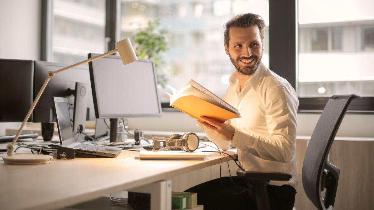 Pet stvari koje mogu pomoći uredskim radnicima da ostanu u dobroj formi