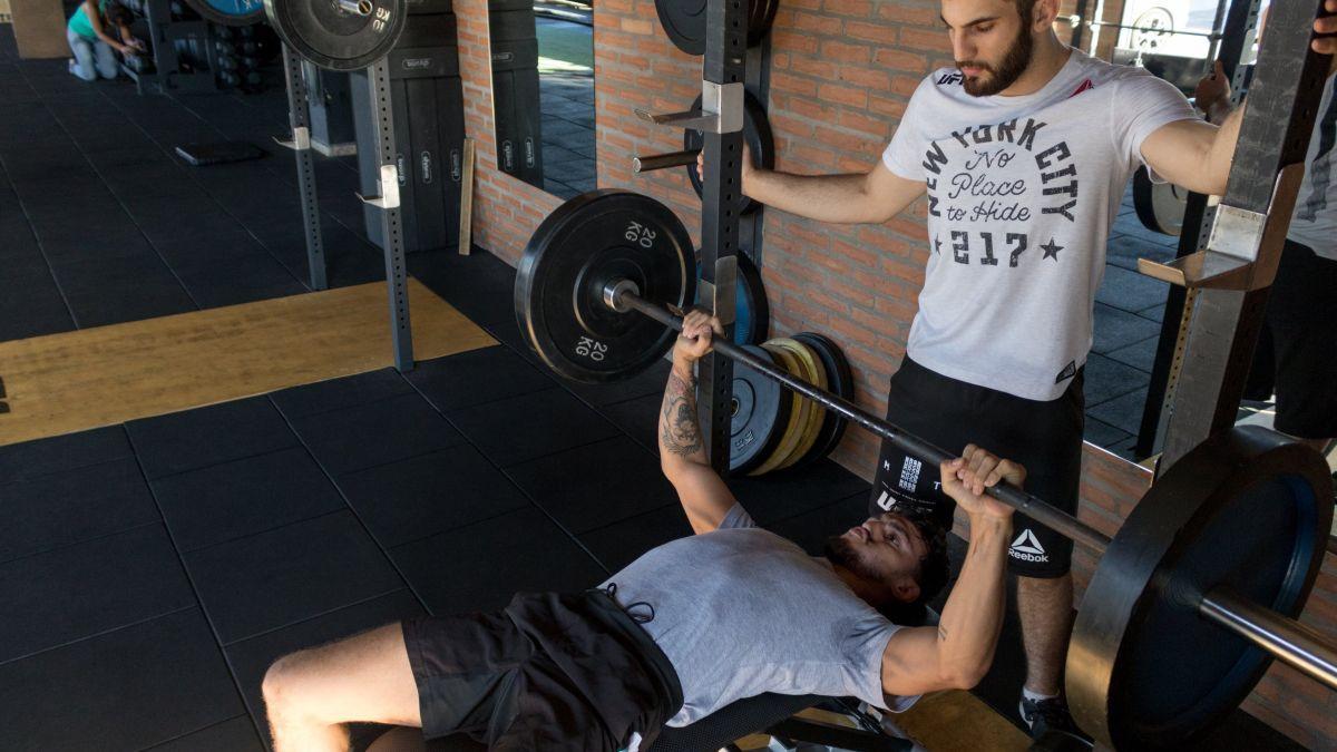 Jedno ponavljanje s maksimalnom težinom: Kako na pravilan način testirati svoju snagu?