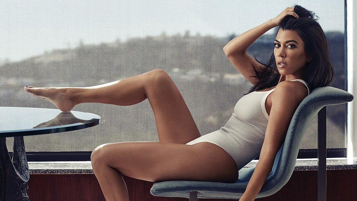 Kourtney Kardashian uz pomoć ovog trika ima savršenu figuru