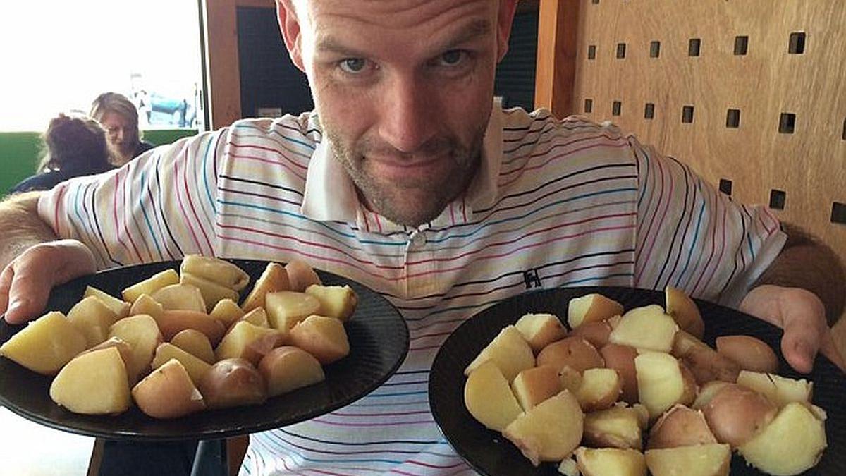 Jeo je samo krompir godinu dana i izgubio više od 50 kilograma