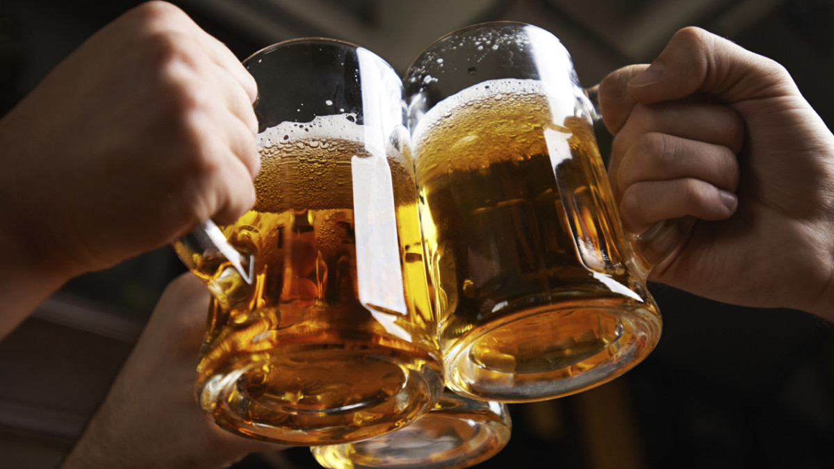 Priprema za izlazak: Šta jesti prije konzumiranja alkohola?