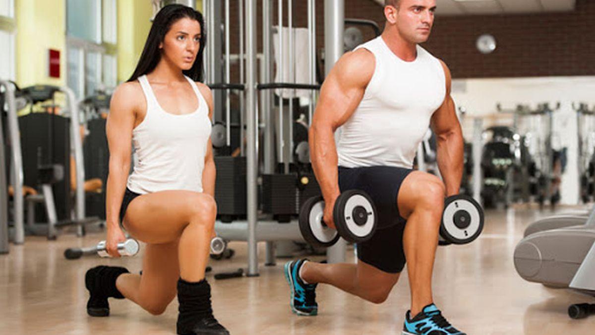 Tri najbolje vježbe za noge koje se izvode s bučicama
