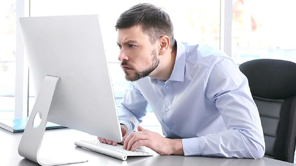 Radite od kuće? Vodite računa o položaju tijela i kako sjedite!