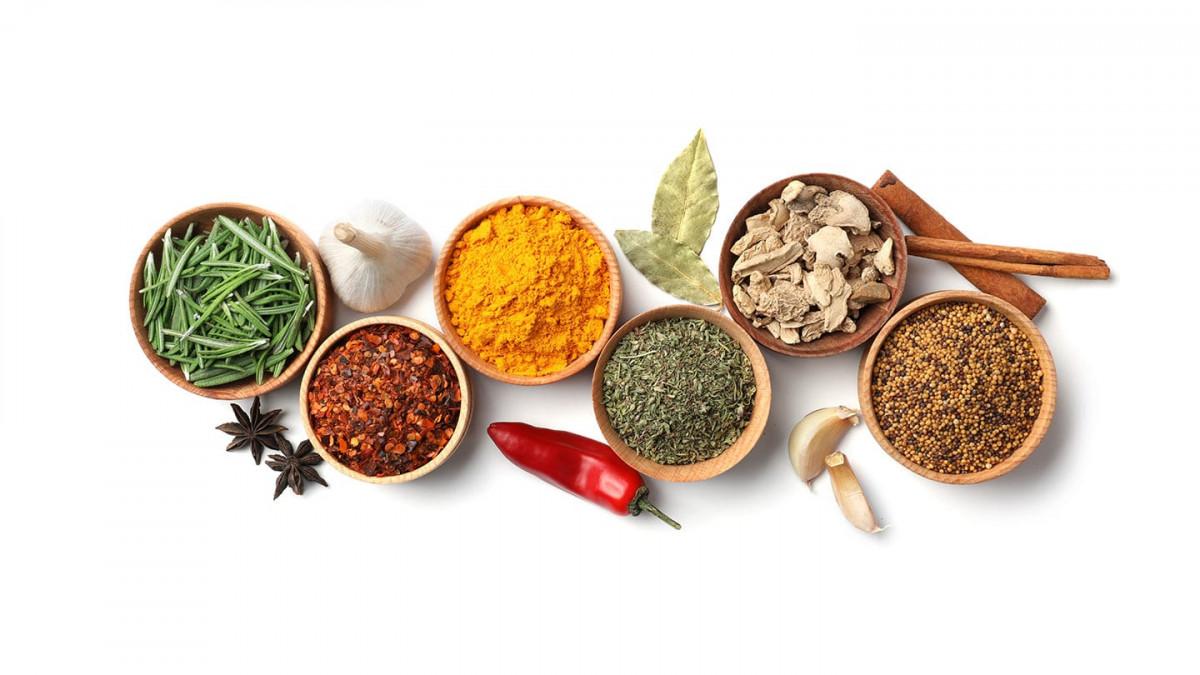 Začinite hranu bez soli: 7 zdravih začina koje trebate dodati vašoj ishrani