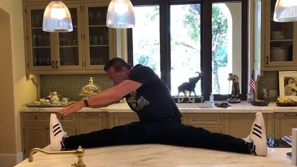 Arnold Schwarzenegger i u 72. godini izgleda fenomenalno i daje korisne savjete za vježbanje