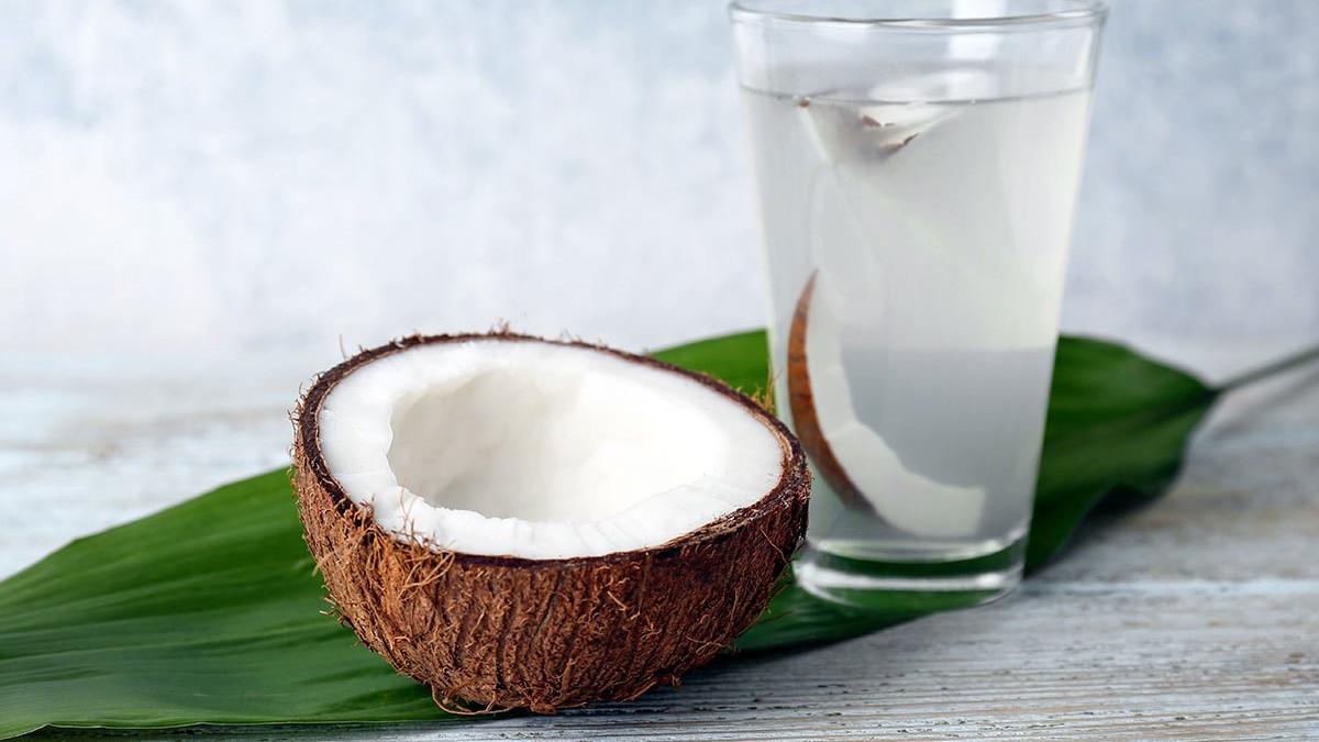 Gubitak kilograma: Može li vam kokosova voda pomoći da smršate?