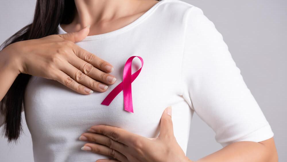 Redovno provjeravajte sami: Simptomi i rani znakovi raka dojke